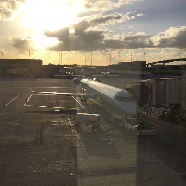 CRJ-900 - today's chariot. #nofilter #americaneagle